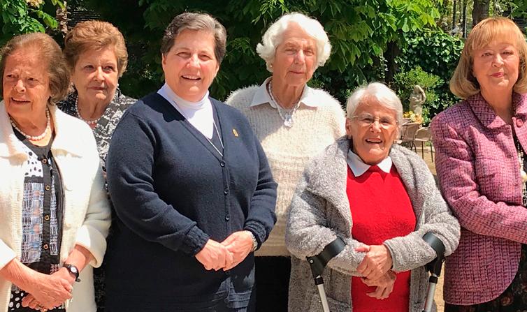 Las Sisters visitan nuestra Casa Alma Mater
