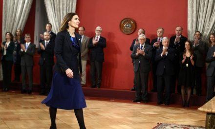 Mucho éxito en su gestión a la nueva Ministra de Medio Ambiente Carolina Schmidt, generación 85.