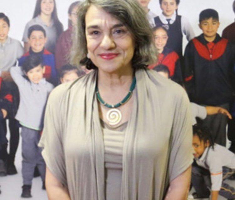 Felicitamos a Sol Serrano, (generacion '71) por ser la primera mujer en adjudicarse el Premio Nacional de Historia