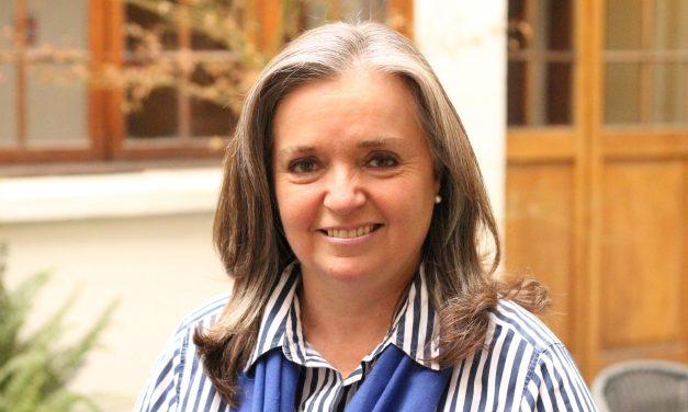 Trinidad Hoyl, doctora y exalumna generación ´81 recibe el International Medical Educator of the Year Award