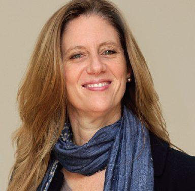 Carolina Altachwager, exalumna '88 reconocida como una de las 12 profesionales destacadas del mundo del marketing
