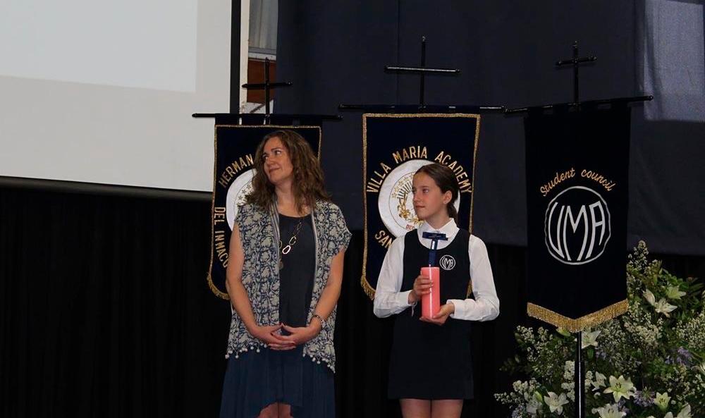 la comunidad villamariana tuvo su ceremonia de cambio de mando, donde la actual directora Ana María Tomassini hizo entrega del cargo a Loreto Jullian, quien asumirá desde marzo 2020.