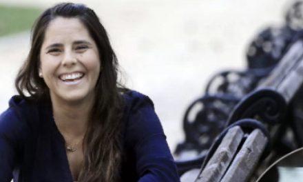 CÓMO ARMAR UN NEGOCIO ON LINE,  Francisca Escobar (generación 2000), emprendedora, especializada en potenciar la digitalización de las ventas